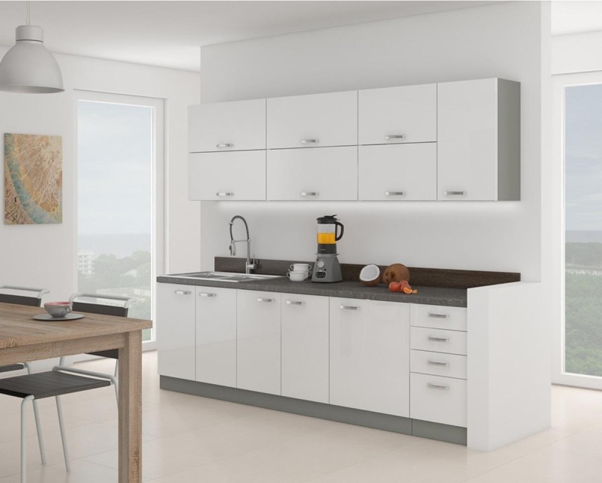 Modernūs virtuvės komplektai: praktiškumas ir estetika